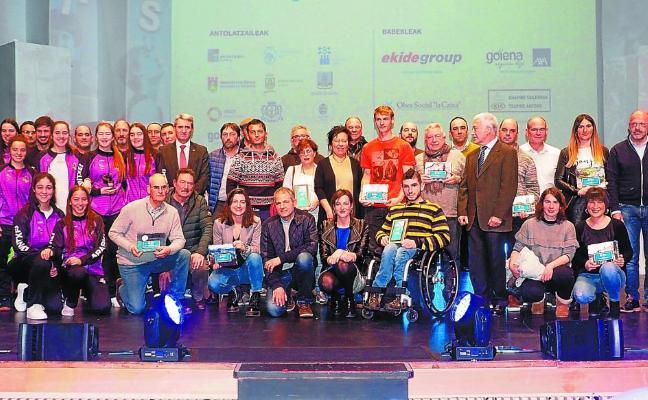 Maialen Axpe y las cadetes del Araski Ointxe, premios DKS