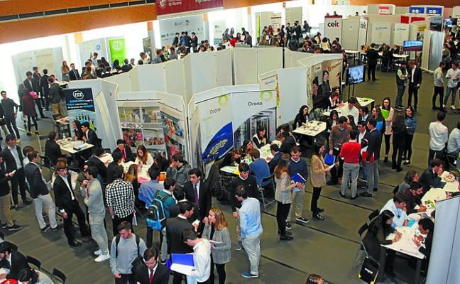 500 alumnos y 90 empresas se citan en el Foro Empleo de Tecnun