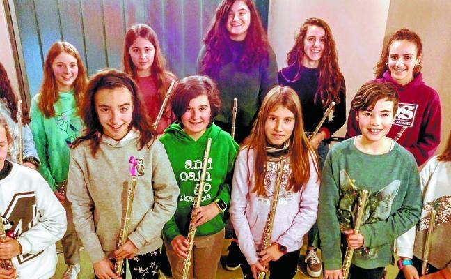 Alumnos de flauta participarán hoy en un encuentro en Bilbao