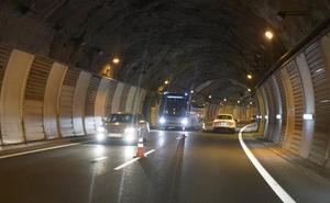 La caída de parte del techo del túnel de San Lorenzo requiere de un 'by pass' en la A-15
