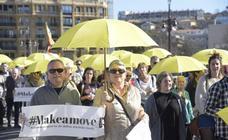 Paraguas amarillos contra el juicio del procés