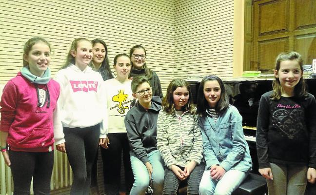 Nueve alumnos de Doinua participan en el Festival de Piano de Andoain