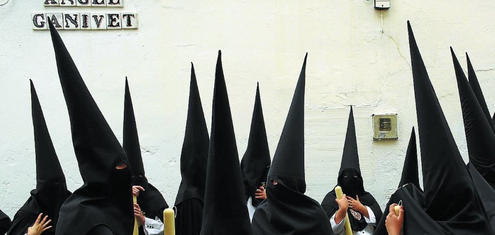 Del mitin a la procesión