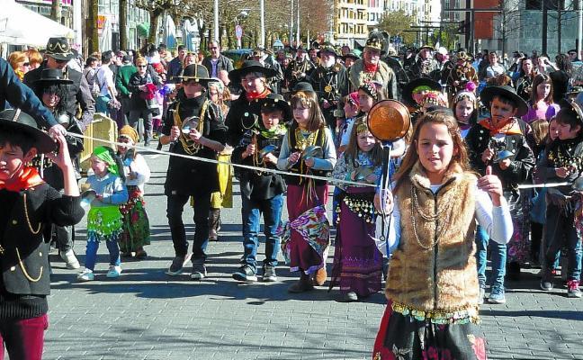 Los Caldereros anuncian el Carnaval de Trintxerpe