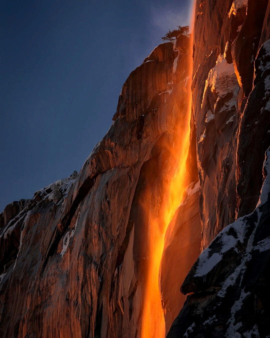 Una 'cascada de fuego' en California