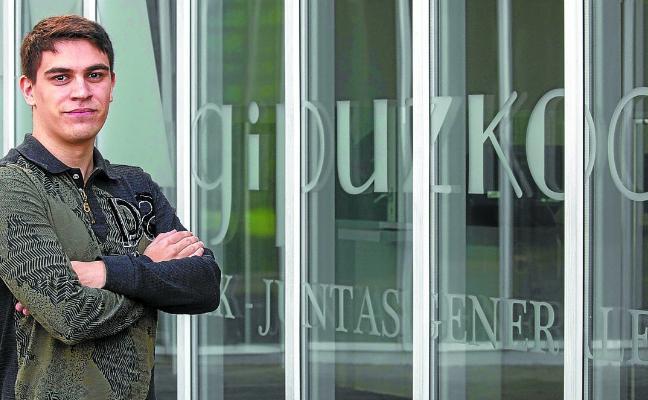 Imanol Gude: «Al PNV no le interesan las políticas sociales, siempre beneficia a los más ricos»