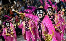 Fiesta, luz y color en el impresionante Carnaval uruguayo