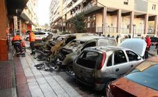 Un incendio calcina cuatro vehículos en Errenteria