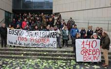 Limpiadoras de comisarías y sedes judiciales de Gipuzkoa protestarán con una marcha a pie