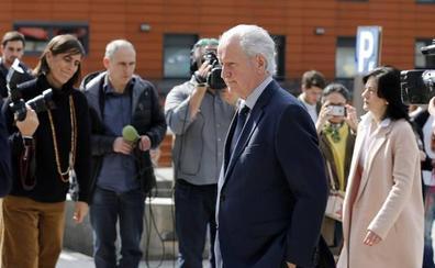 Último adiós a Arzalluz en el tanatorio Begoña de Bilbao