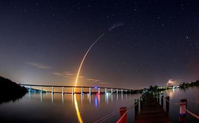 Despega sin incidentes la primera cápsula de Elon Musk que llevará a turistas al espacio