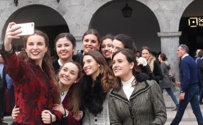 Día elegante y veraniego en el carnaval de Azpeitia