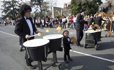 Un desfile soleado y con mucha música en Hondarribia