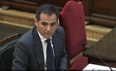 El Gobierno ofreció a Puigdemont votar en la calle de forma simbólica para evitar el 1-O
