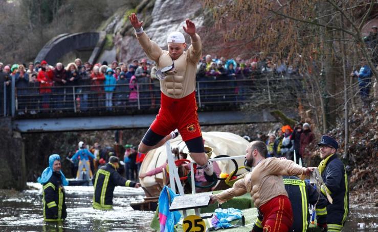 Carnaval sobre el río