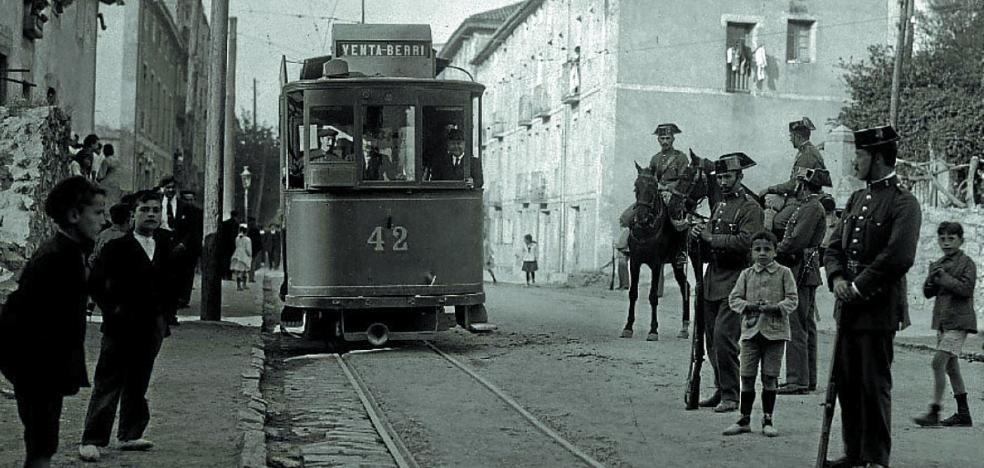 1919 | Un carruaje con los caballos desbocados por el Antiguo