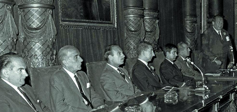 1964 | Pleno 'cara al público' al cambiar su horario a las 19.30