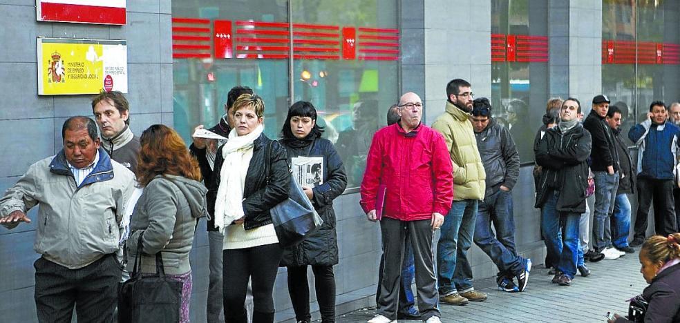 Los cambios en el subsidio por desempleo afectarían a unos 38.000 parados vascos