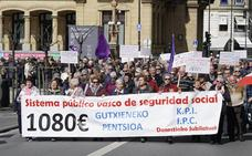 Los pensionistas vascos conmemoran el centenario del Retiro Obrero Obligatorio en otro lunes de protesta