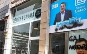 Aparecen pintadas de «GAL abstenzioa» en una oficina del PSE en San Sebastián