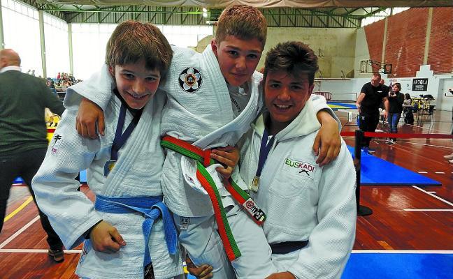 Gran fin de semana para los infantiles del Club Judo Legazpi