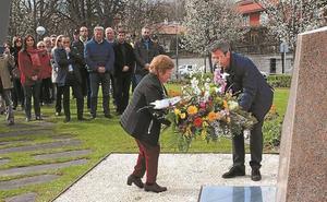 Irun mantiene la unidad política para conmemorar el Día de las Víctimas