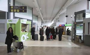 El tráfico de viajeros cae otro 4,9% en febrero