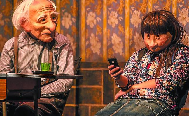 Kulunka Teatro hace una reflexión sobre la soledad dentro de la familia