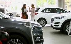 Las mujeres llegan más informadas que los hombres a la compra de un vehículo, según DriveK