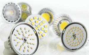 El aviso de Kontsumobide sobre el cambio de bombillas en casa