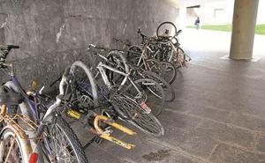 Bicis abandonadas junto a los Juzgados