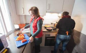 Cruz Roja apoya a más de 1.500 hogares vulnerables en Euskadi para hacer frente a la pobreza energética en 2018