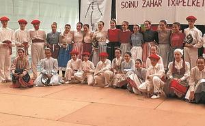 Uxue Muñoa eta Maitane Irurzun dantzariek irabazi dute Oiartzungo Aurresku eta Soinu Zahar txapelketa
