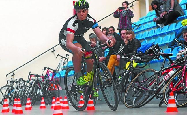 Buen nivel de los ciclistas de Dorleta TXE en la I Ginkana de Euskadi