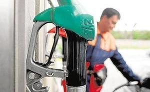 El impuesto de la gasolina hace un buen roto a los conductores vascos