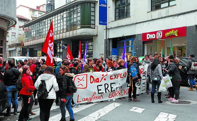 Marcha de Eibar a Ermua de los empleados de DIA
