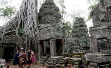El templo devorado por raíces