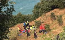 Rescatado en helicóptero un parapentista accidentado en Gorliz