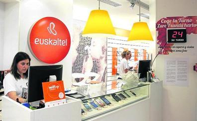 Kutxabank se deshace de más acciones de Euskaltel y facilita el asalto de la británica Zegona