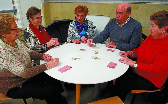 El club Laguntasuna donará lo recaudado en su Bingo Solidario a la Fundación Vicente Ferrer