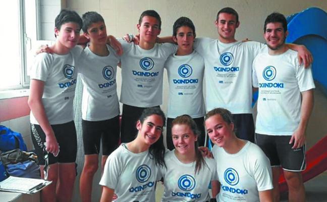 El equipo local de natación consiguió varias medallas en el torneo de Lasarte-Oria