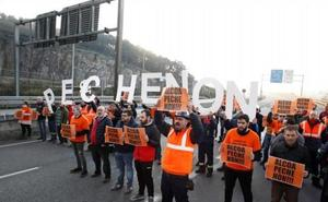 Alcoa amaga con cerrar su última planta en España por el coste de la luz