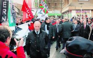 El Gobierno zanja con 300 euros de multa el escrache a Urkullu de las centrales de la Ertzaintza