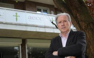 Juan Ormazabal: «Está muy bien que curemos el cáncer, pero hay que investigar por qué existe»