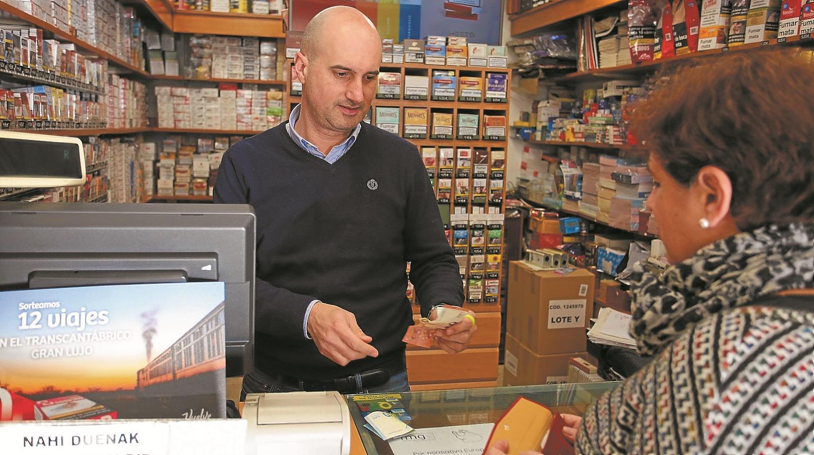 La venta de tabaco en Gipuzkoa repunta después de doce años seguidos a la baja