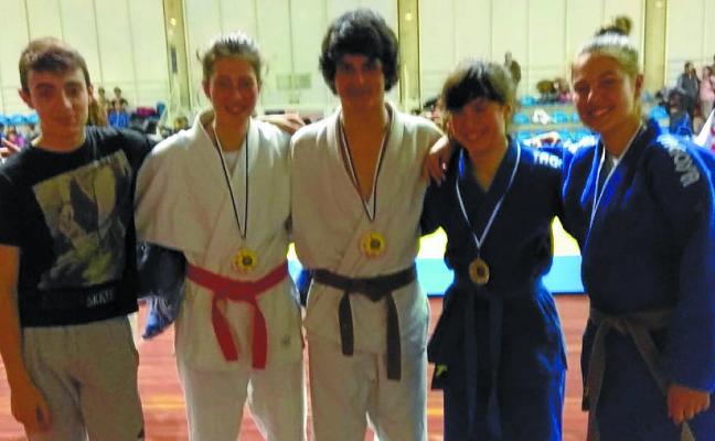 Judokas locales compitieron en el Campeonato de Gipuzkoa infantil y cadete
