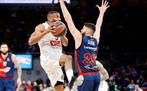 El Baskonia, con cuatro bajas, desea acercarse en Atenas al playoff