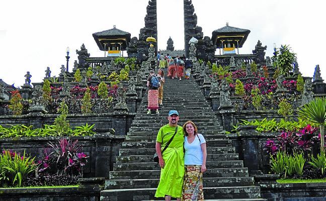 Viaje a Indonesia con Aitor Casado