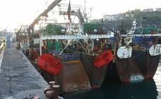 Retenidos tres pesqueros portugueses en Pasaia por alterar la zona de captura