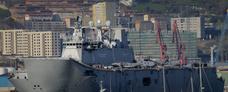 Así ha llegado a Getxo el portaaviones 'Juan Carlos I'